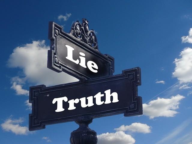 E verteta dhe Genjeshtra